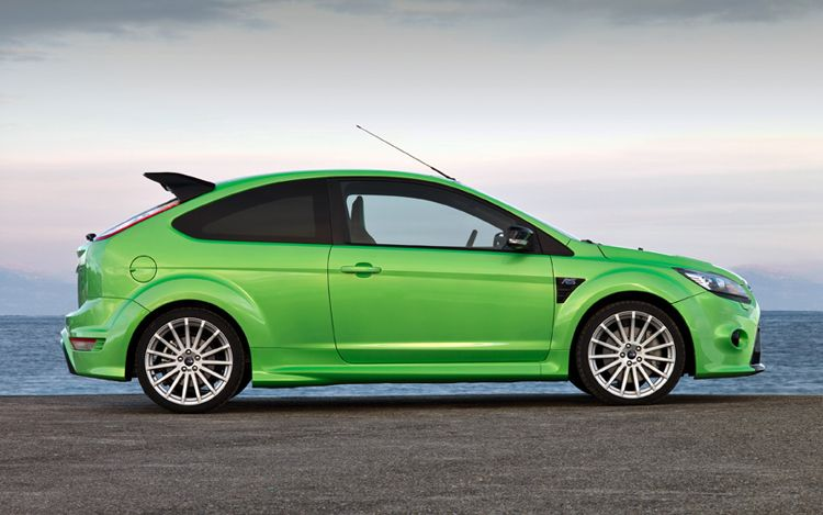 ford focus rs touches down in jay leno s garage video. Black Bedroom Furniture Sets. Home Design Ideas