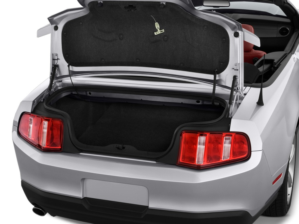 Ford mustang convertible trunk size pictures