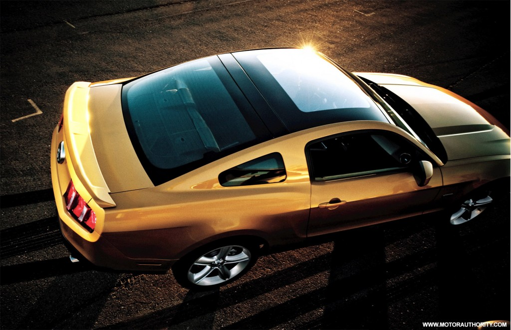 image 2010 ford mustang glass roof 002 size 1024 x 662. Black Bedroom Furniture Sets. Home Design Ideas