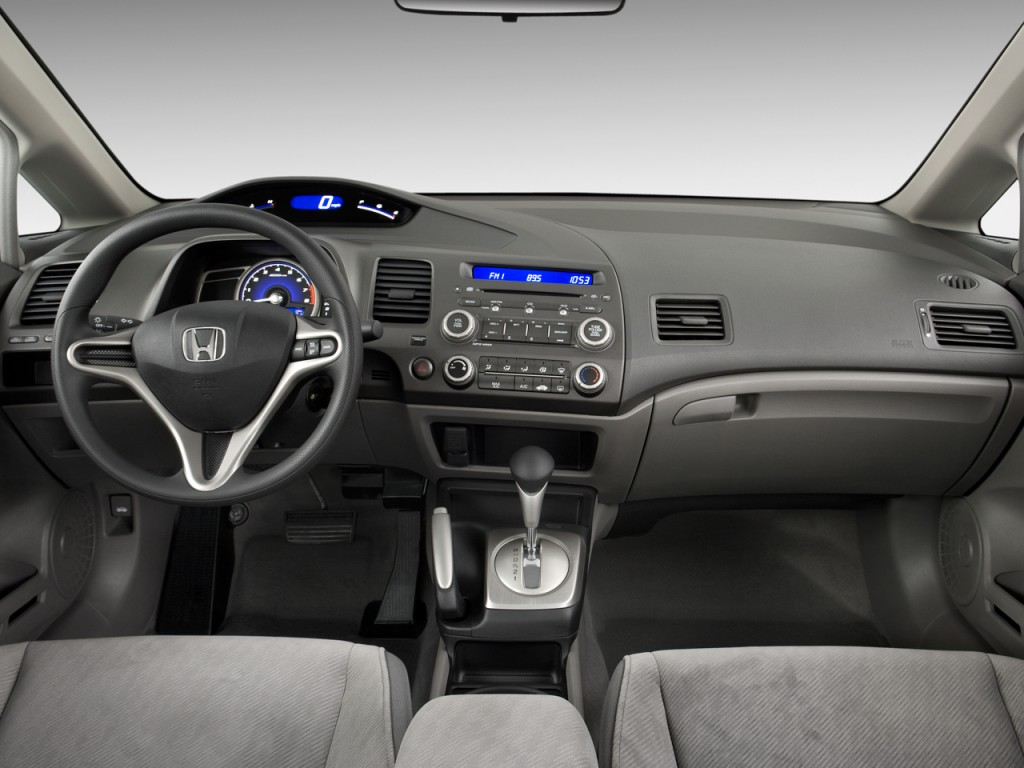 Dashboard - 2010 Honda Civic Sedan 4-door Auto LX