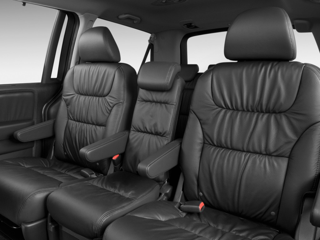 2011 honda odyssey concept debut at the chicago auto show for Honda odyssey seating