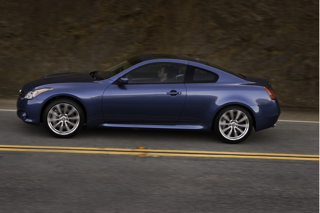 infiniti previews 2011 g sedan coupe additions ahead of pebble beach. Black Bedroom Furniture Sets. Home Design Ideas
