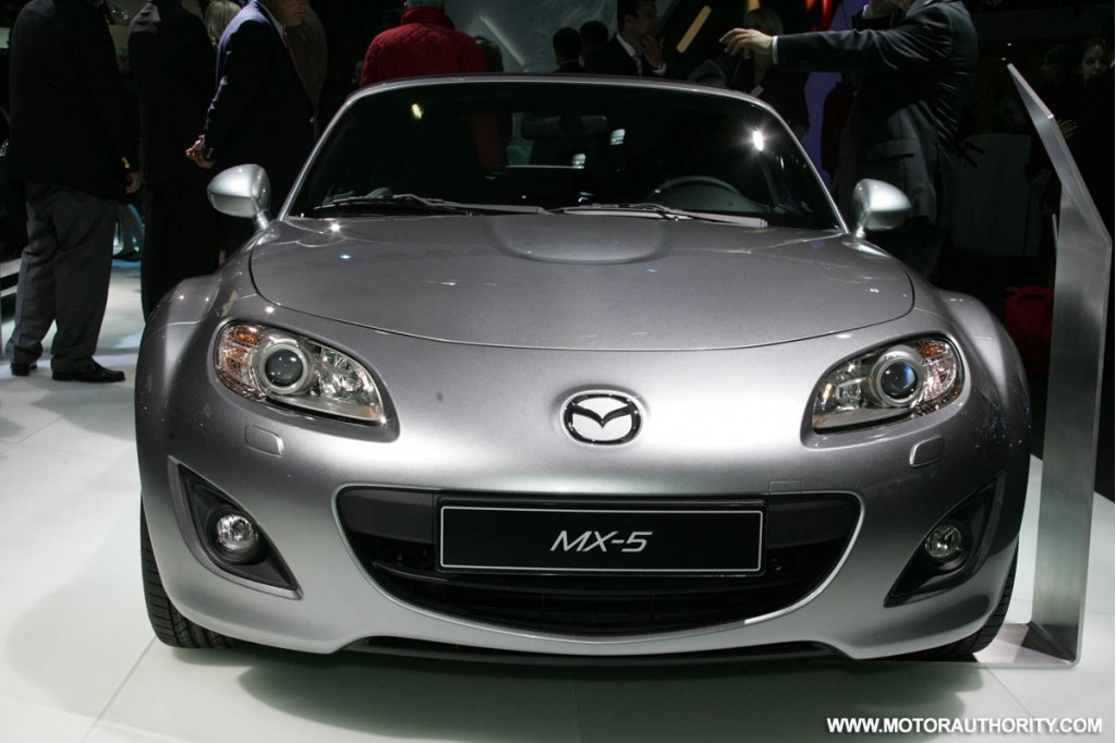 2010 mazda mx 5 miata pictures photos gallery the car. Black Bedroom Furniture Sets. Home Design Ideas