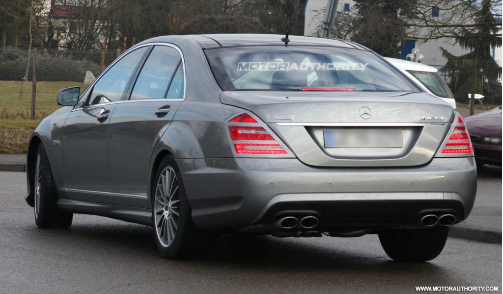 Spy shots mercedes benz s class amg facelift for Mercedes benz s class amg 2010