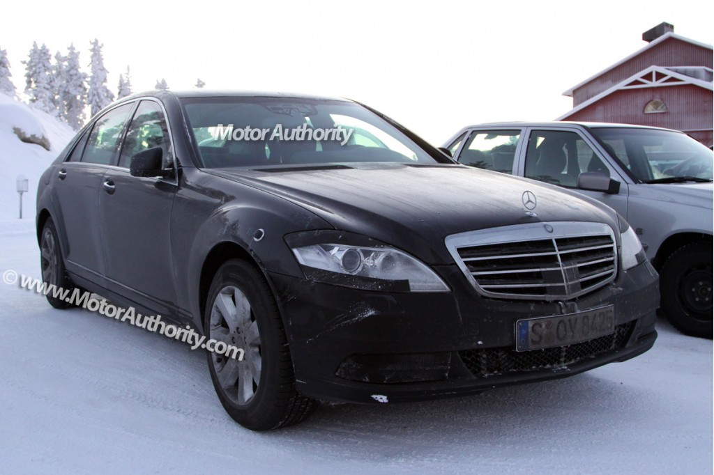 2010 mercedes benz s class facelift spy shots december 005. Black Bedroom Furniture Sets. Home Design Ideas
