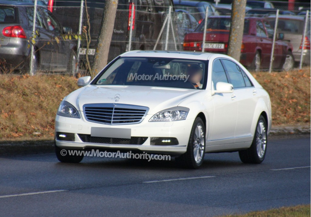 2010 mercedes s class led spy shots 005 for Mercedes benz s class amg 2010