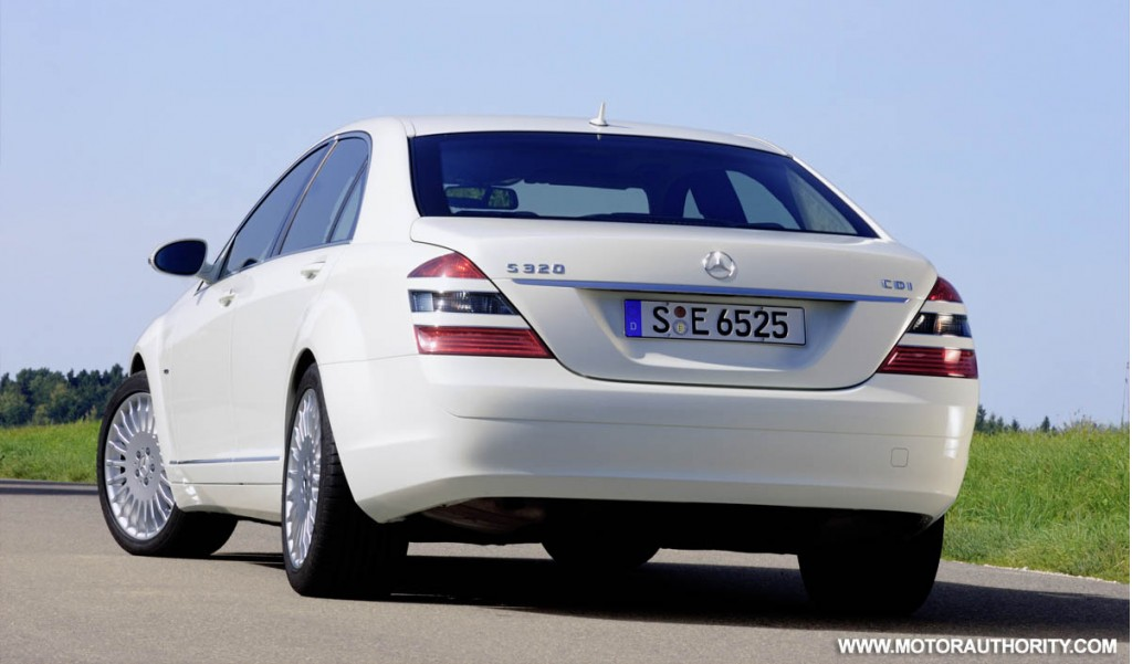 mercedes rolls out s320 cdi blueefficiency. Black Bedroom Furniture Sets. Home Design Ideas