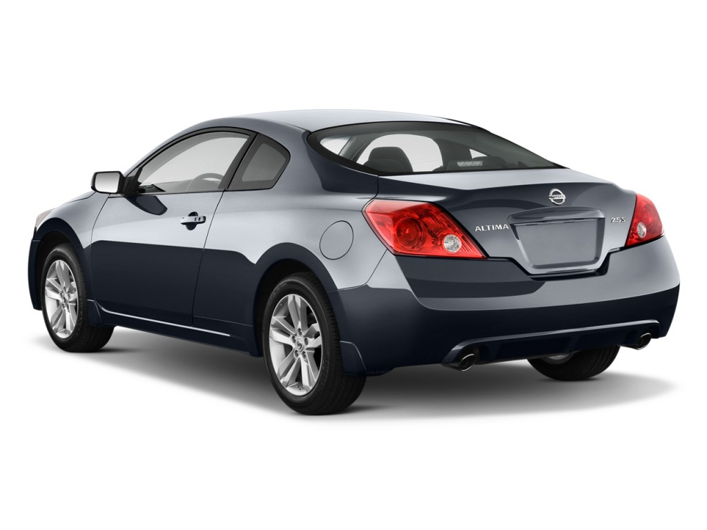2010 nissan altima 2 door coupe i4 cvt 2 5 s angular rear exterior view. Black Bedroom Furniture Sets. Home Design Ideas