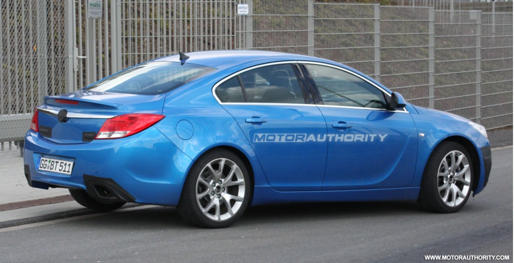 spy shots barely disguised opel insignia opc. Black Bedroom Furniture Sets. Home Design Ideas