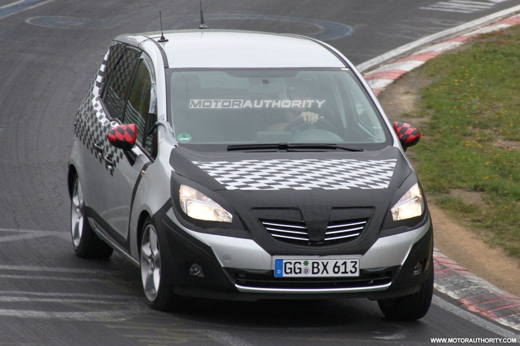 spy shots 2010 opel meriva. Black Bedroom Furniture Sets. Home Design Ideas