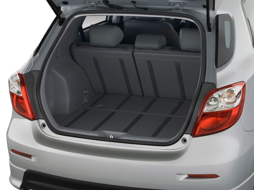 image 2010 toyota matrix 5dr wagon auto s fwd natl trunk size 1024 x 768 type gif posted. Black Bedroom Furniture Sets. Home Design Ideas