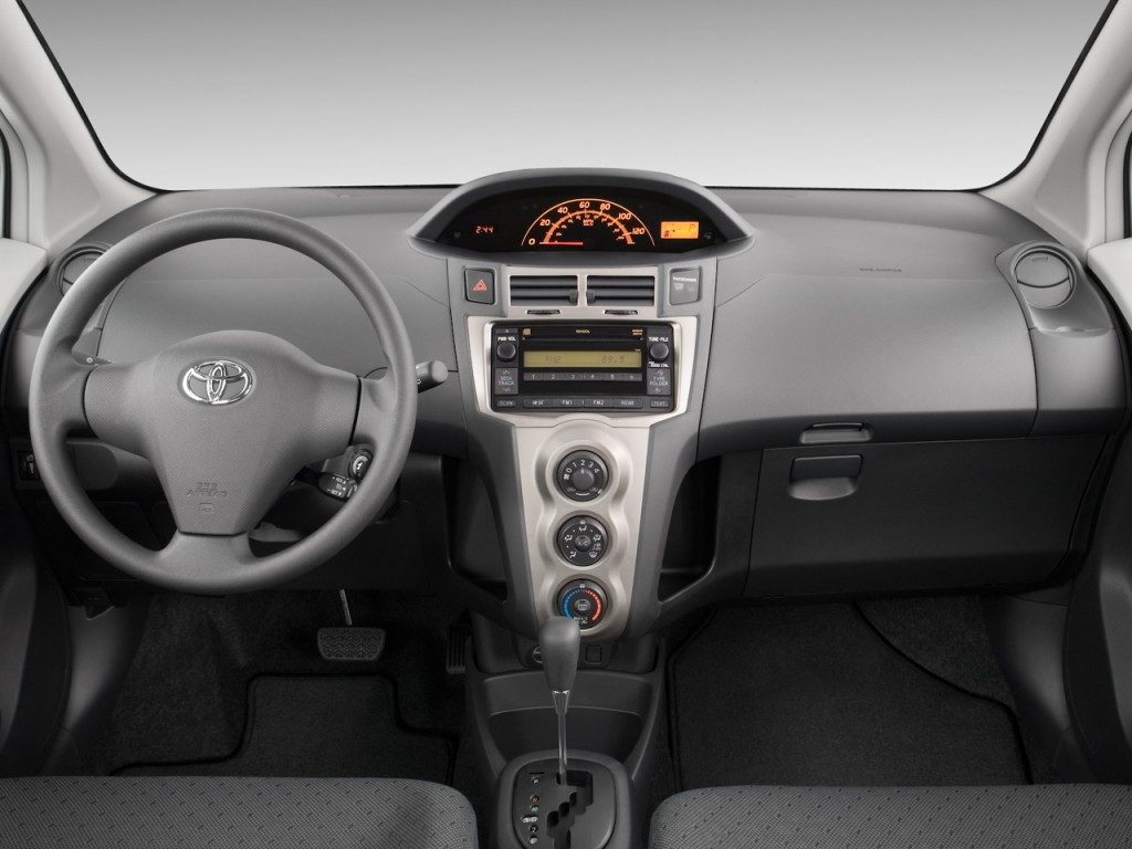 18152274 also Car together with Sienna as well Sienna likewise Exterior Color Options For The 2017 Toyota Highlander. on toyota sienna used cars