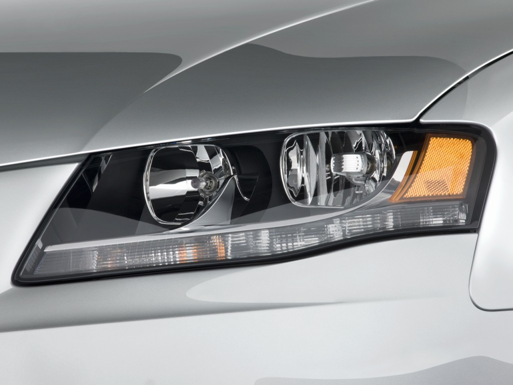 2004 Audi A4 Headlights - Viewing Gallery