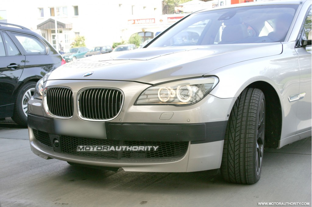 m7 bmw. 2011 mw m7 7 series spy shots