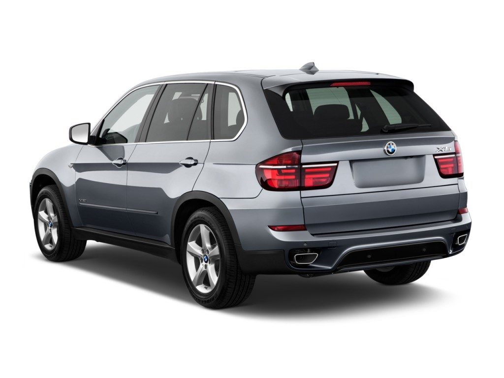 image 2011 bmw x5 awd 4 door 50i angular rear exterior. Black Bedroom Furniture Sets. Home Design Ideas