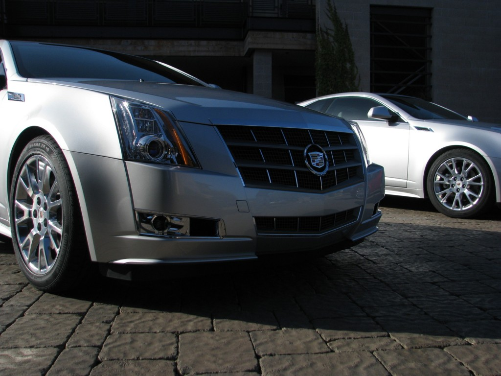 first drive 2011 cadillac cts coupe. Black Bedroom Furniture Sets. Home Design Ideas