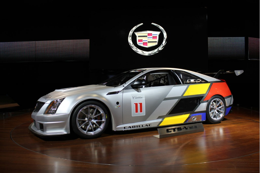 video cadillac cts v coupe race car does sebring in 60 seconds. Black Bedroom Furniture Sets. Home Design Ideas