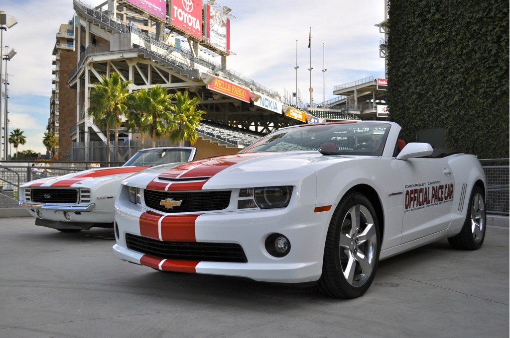 donald trump to drive 2011 chevrolet camaro ss indy 500 pace car at 2011 indianapolis 500. Black Bedroom Furniture Sets. Home Design Ideas