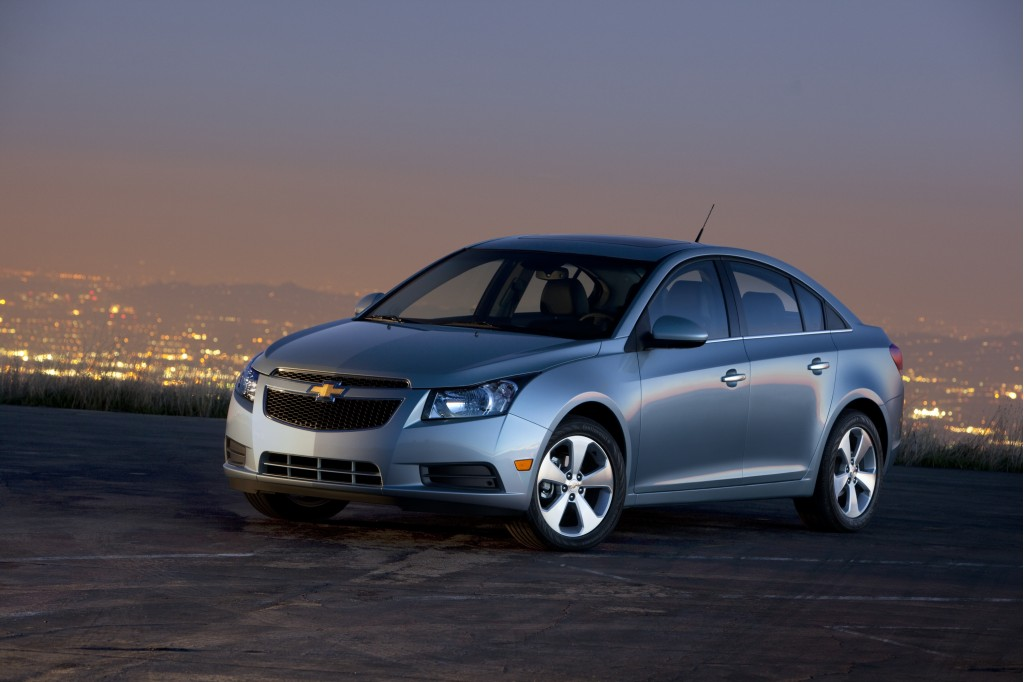 2011-chevrolet-cruze-courtesy-gm_100318088_l.jpg