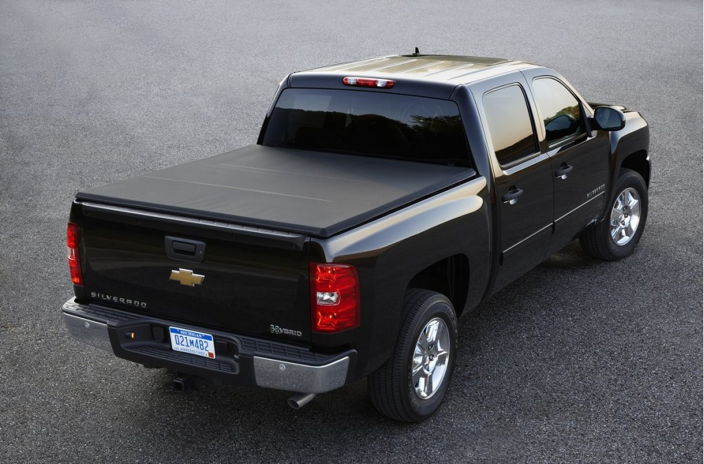 2011 chevrolet silverado 1500 chevy pictures photos gallery green car reports. Black Bedroom Furniture Sets. Home Design Ideas