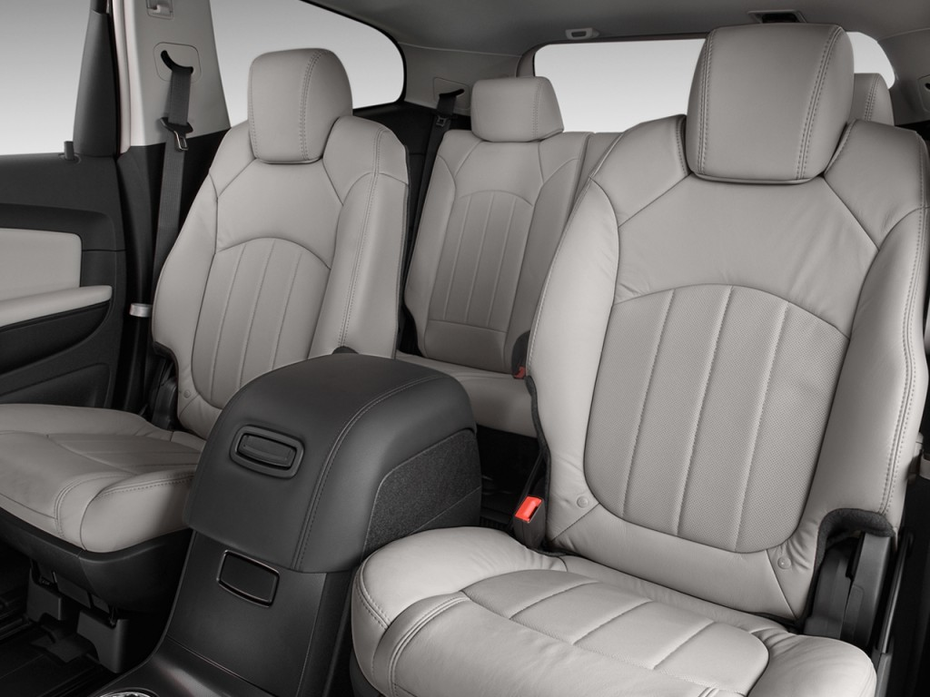 2011 chevrolet traverse chevy pictures photos gallery green car reports. Black Bedroom Furniture Sets. Home Design Ideas