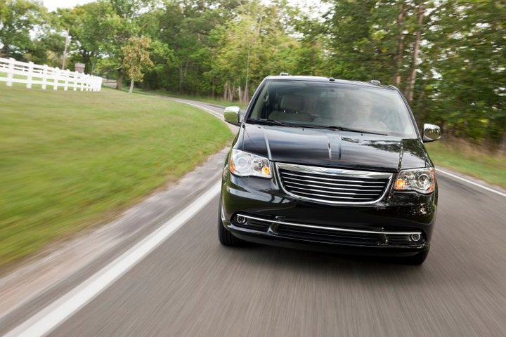 2011 chrysler town country pictures photos gallery the car. Cars Review. Best American Auto & Cars Review