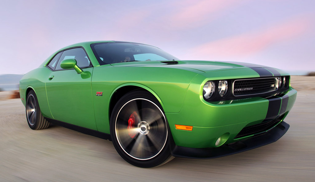 Dodge Challenger Custom Paint Jobs >> 2011 Dodge Challenger R/T And SRT8 392 Get 'Green With Envy' Paint Job