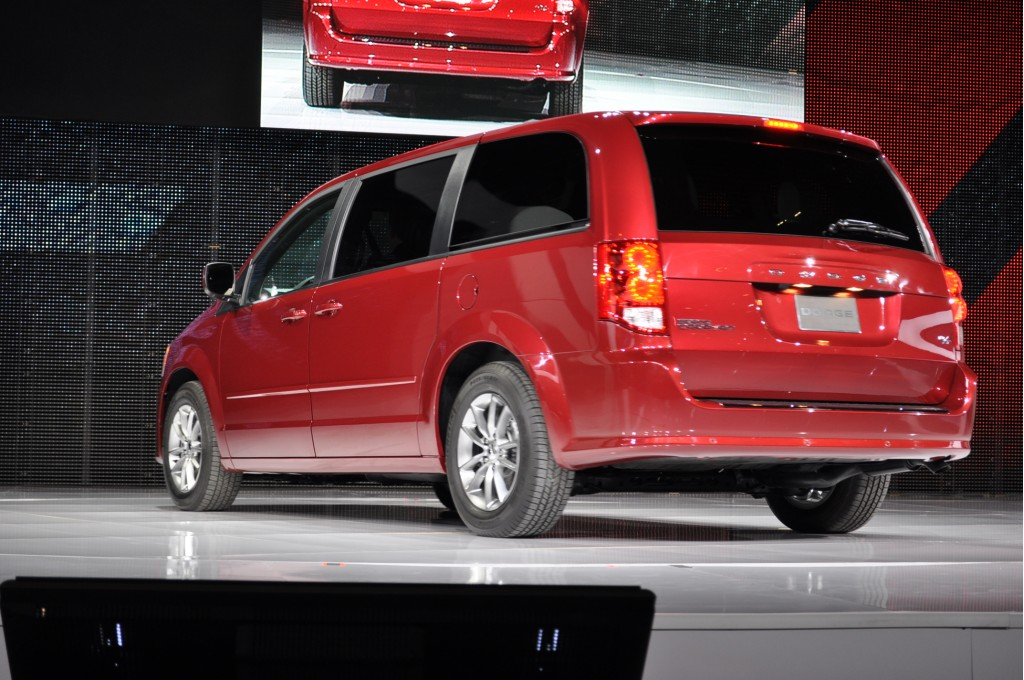 2011 dodge grand caravan r t live photos 2011 chicago auto show. Cars Review. Best American Auto & Cars Review