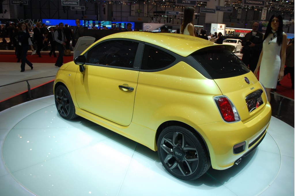 funky fiat 500 coupe zagato concept headed for production. Black Bedroom Furniture Sets. Home Design Ideas