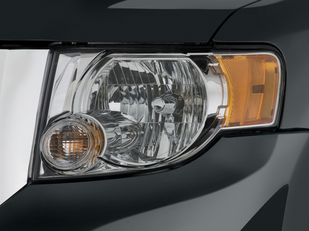 Image: 2011 Ford Escap...2009 Ford Escape Xlt Battery Light Stays On