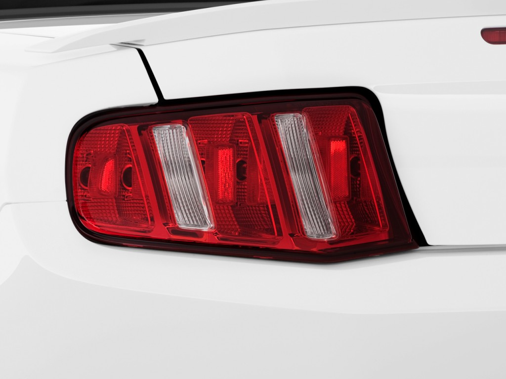 image 2011 ford mustang 2 door convertible premium tail. Black Bedroom Furniture Sets. Home Design Ideas