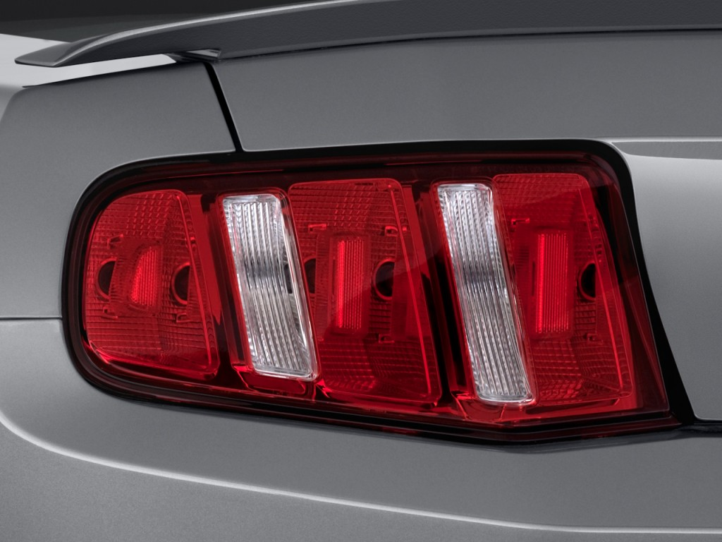 image 2011 ford mustang 2 door coupe premium tail light. Black Bedroom Furniture Sets. Home Design Ideas