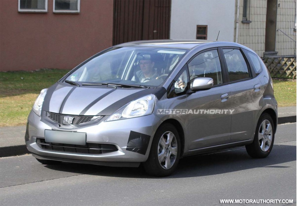 spy shots 2012 honda fit hybrid. Black Bedroom Furniture Sets. Home Design Ideas