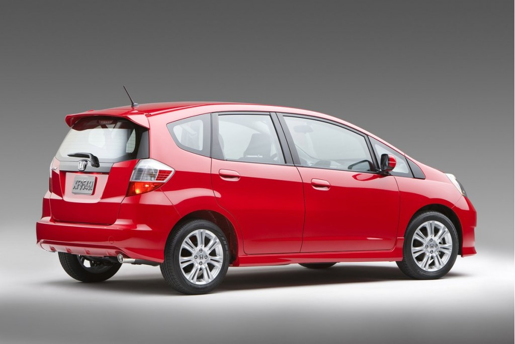honda fit retains 1 spot on consumer reports 39 best value list. Black Bedroom Furniture Sets. Home Design Ideas