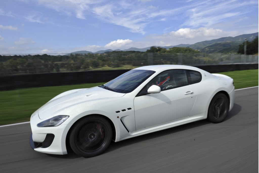 maserati granturismo mc stradale sounds off video. Black Bedroom Furniture Sets. Home Design Ideas