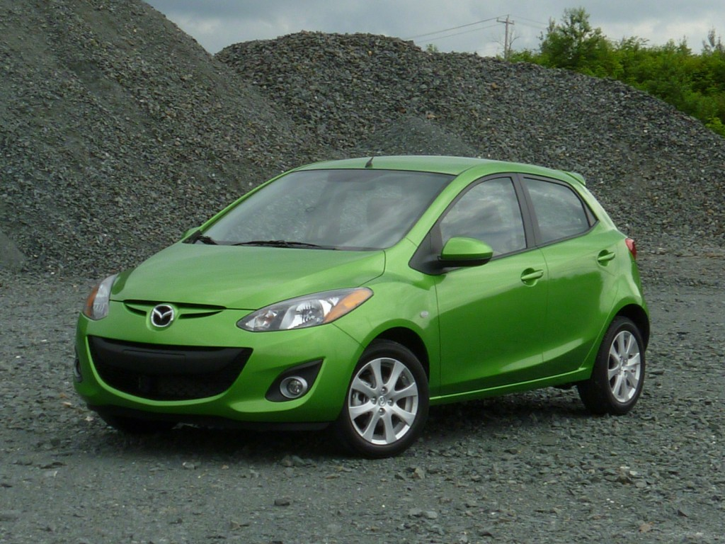 2011 mazda2 rated by iihs misses top safety pick. Black Bedroom Furniture Sets. Home Design Ideas
