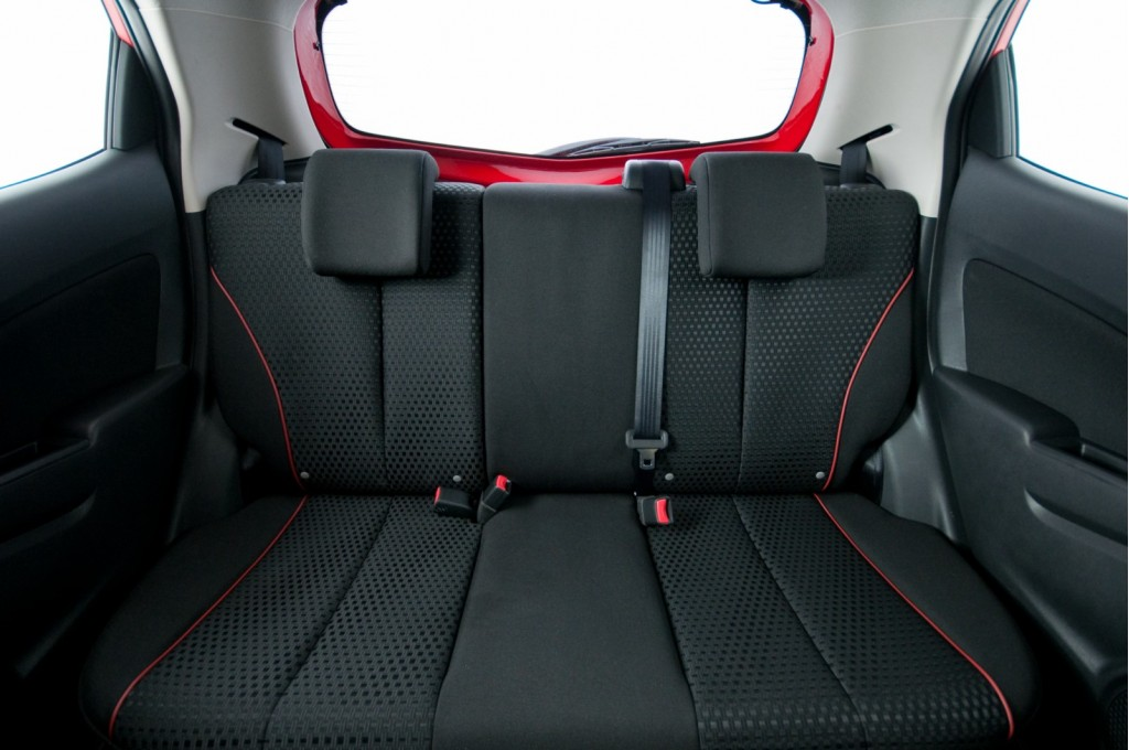 2011 Mazda2 Interior Revealed, Only 3 Months After The Car