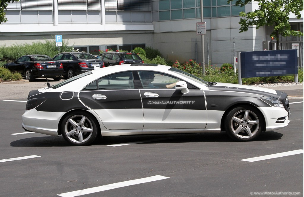 2011 mercedes benz cls with amg sport package spy shots. Black Bedroom Furniture Sets. Home Design Ideas