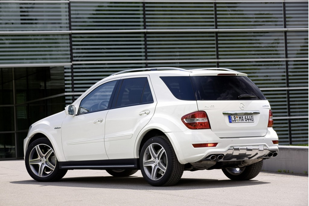 2011 mercedes benz ml63 amg preview for Mercedes benz amg ml63