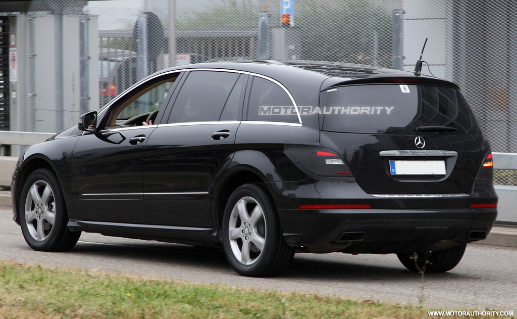 spy shots 2011 mercedes benz r class facelift. Black Bedroom Furniture Sets. Home Design Ideas