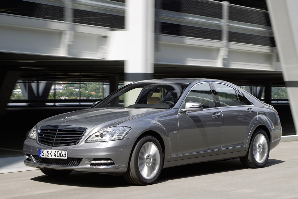 2012 mercedes benz s350 bluetec 4matic making u s debut for Mercedes benz blue tec