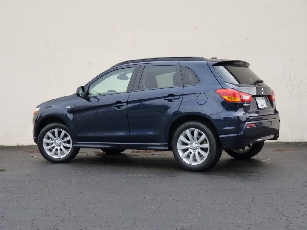 Dimensions Of The 2011 Mitsubishi Outlander Vs Outlander Sport | Autos Post