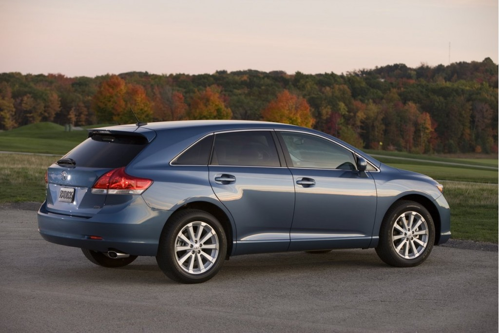 2013 Toyota Venza Limited, Exterior, Rear 3/4, Picture Courtesy of
