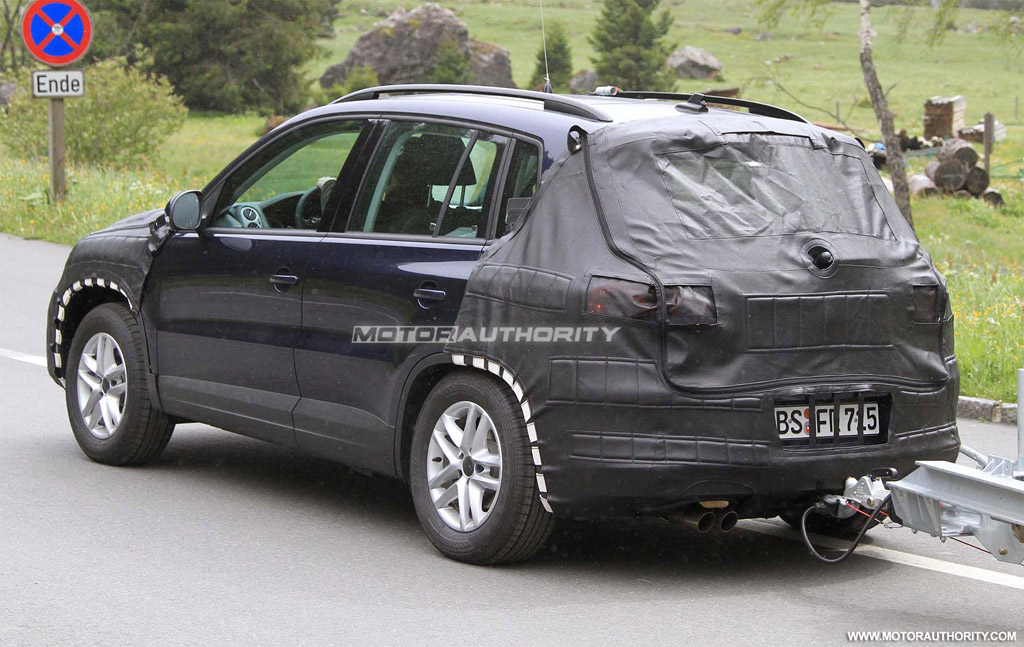 spy shots 2011 volkswagen tiguan facelift. Black Bedroom Furniture Sets. Home Design Ideas