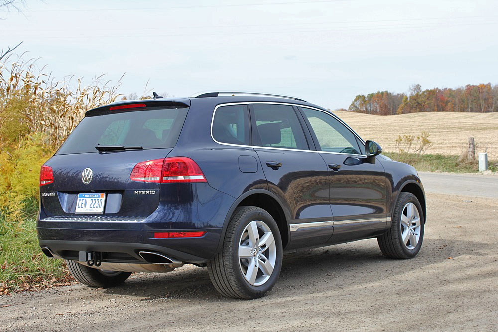 2011 volkswagen touareg priced from 44 450. Black Bedroom Furniture Sets. Home Design Ideas