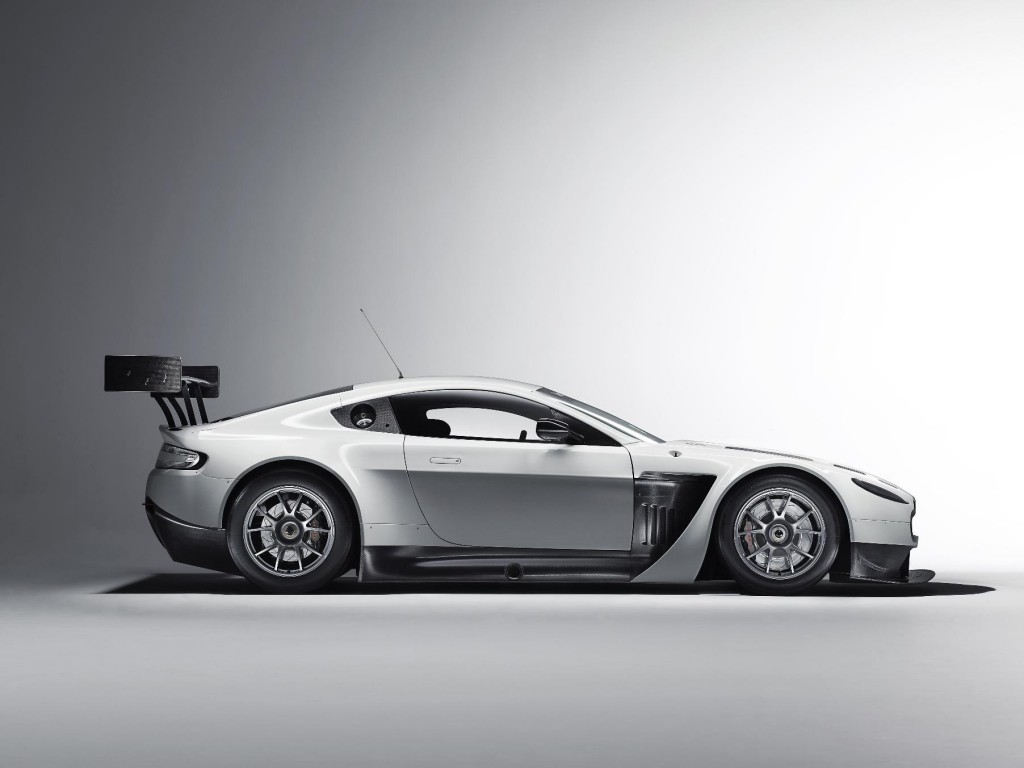 aston martin v12 vantage gt3 enters testing phase. Black Bedroom Furniture Sets. Home Design Ideas