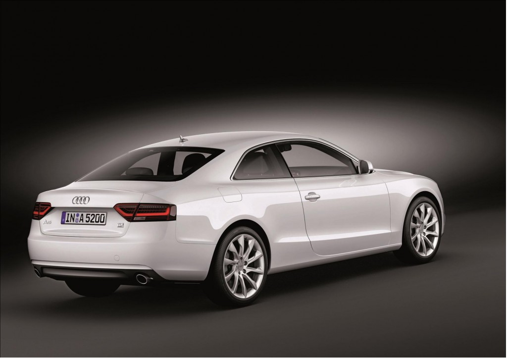 2012 audi a5 coupe shown in 360 degree video. Black Bedroom Furniture Sets. Home Design Ideas