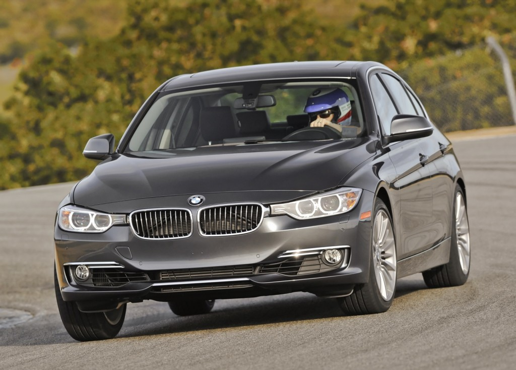 2012 bmw 3 series saving gas in a sports sedan. Black Bedroom Furniture Sets. Home Design Ideas