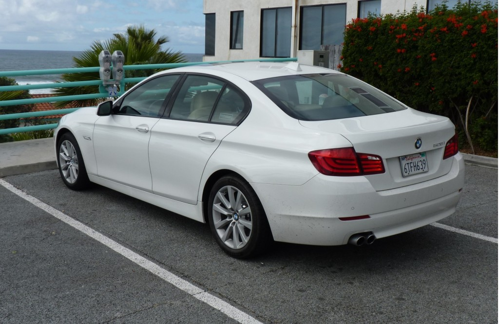 2012 bmw 5 series pictures photos gallery green car reports. Black Bedroom Furniture Sets. Home Design Ideas
