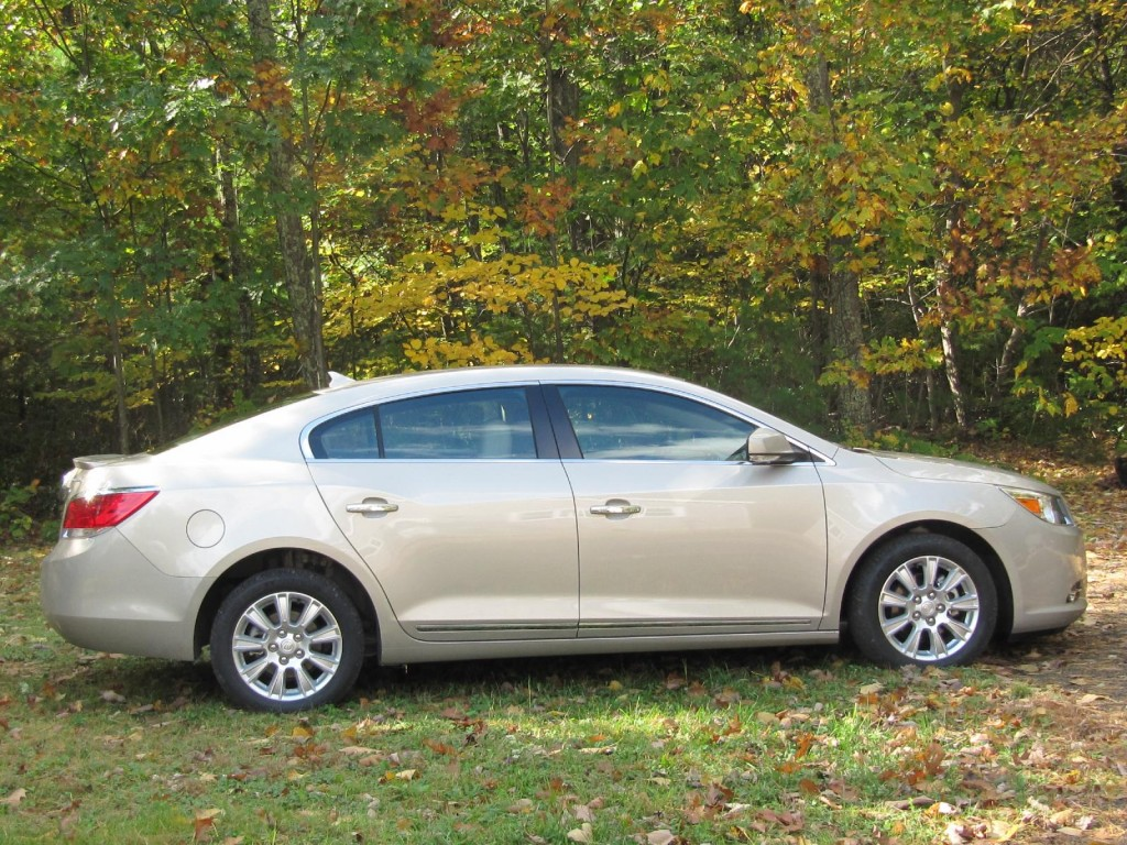 2012 buick lacrosse pictures photos gallery green car reports. Black Bedroom Furniture Sets. Home Design Ideas